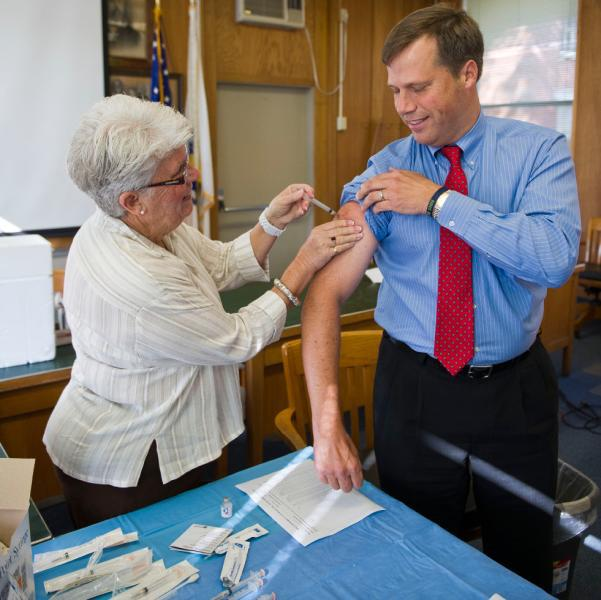 2017 Municipal Flu Clinic Provided by The City of Northampton Health Department
