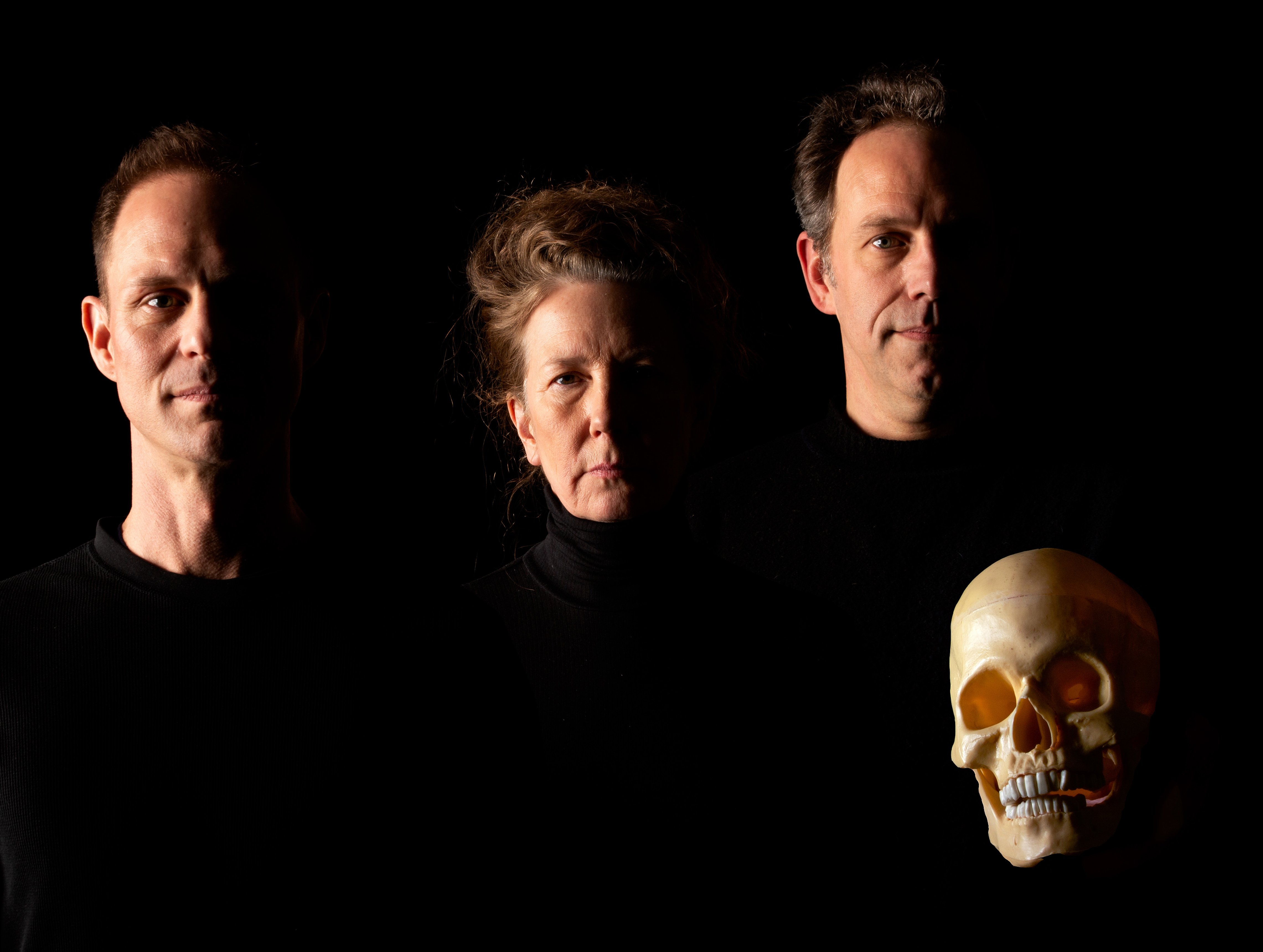 A SKULL IN CONNEMARA by Martin McDonagh / Performed by No Theater